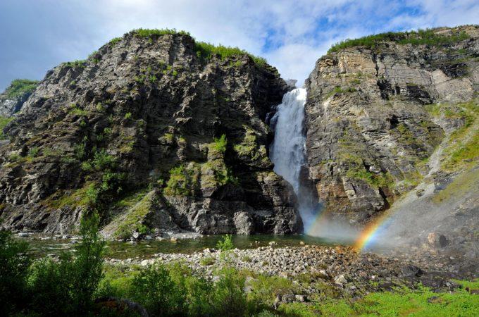http://reisanasjonalpark.no/wp-content/uploads/mollisfossen-sommer-680x450.jpg