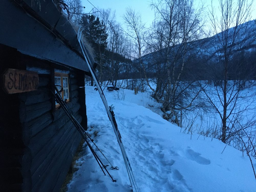 hytte ski snø