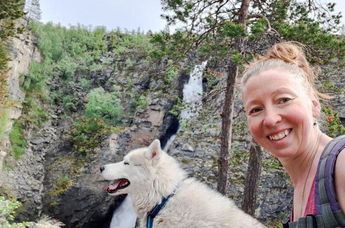Elina med hund